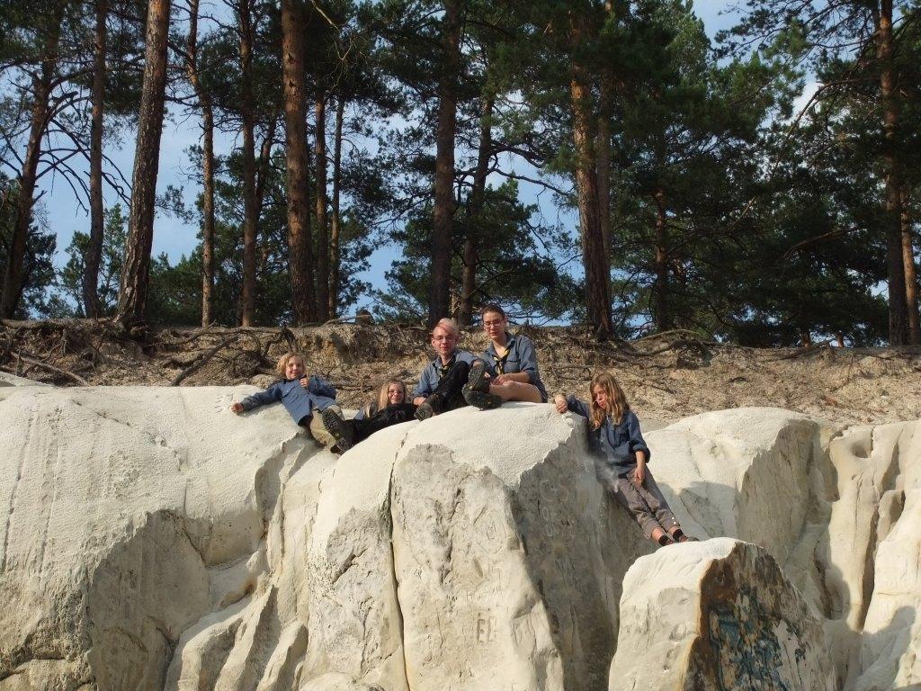 Auf dem Sandsteinfelsen